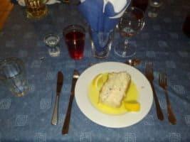 Pappa Yngves fiskpudding med skirat smör.